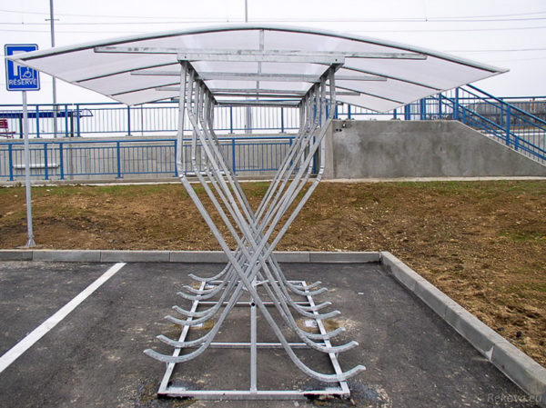 Dvoustranný přístřešek na kola PR 724 | pro 12 kol.