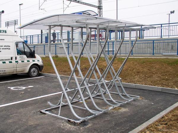 Dvoustranný přístřešek na kola PR 725 | pro 14 kol.