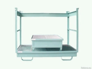 Paleta, záchytná vana na 4 sudy, se zábranami a řetězem 1400 × 1400 × 1100 mm ZV 106.